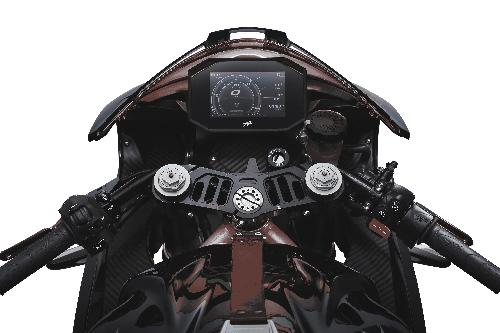 Superveloce 800 black special parts 1.jpg